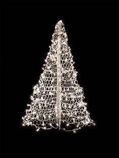 White Wire Crab Pot Christmas Tree with 300 Clear Incandescent Mini Lights * You can get more details by clicking on the image. (This is an affiliate link) White Artificial Christmas Tree, Potted Christmas Trees, Christmas Tree Set, Potted Trees, Outdoor Christmas, Christmas Angels, Merry Christmas, Artificial Tree, Holiday Lights