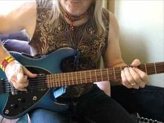 Steve Morse explains how to play Smoke On The Water properly - YouTube