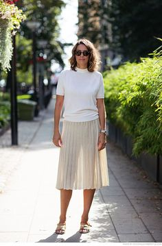 4 all white outfits with skirts you'll want to wear for fall