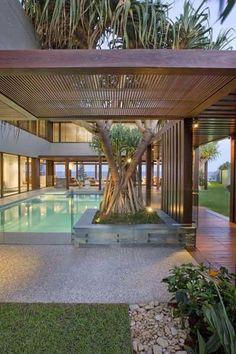 The Albatross Avenue House on Australia's Gold Coast by Bayden Goddard Design