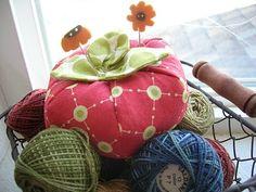 My Cotton Creations: Tomato Pincushion Tutorial