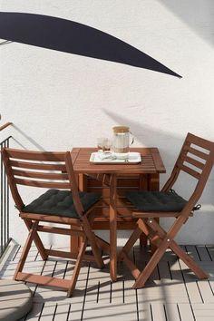 Ikea Applaro Tisch und zwei Klappstühle können Sie die Tischgröße nach Ihren Platz und Bedürfnisse anpassen