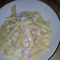 Recipe seriously creamy chicken and bacon fettucine by ambergreen, learn to make this recipe easily in your kitchen machine and discover other Thermomix recipes in Pasta & rice dishes. Risotto Dishes, Pasta Dishes, Creamy Pasta, Creamy Chicken, Chicken Pasta, Rice Dishes, Food Dishes, Wheat Pasta Recipes, Healthy Pastas