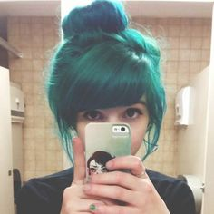 blue hair... I absolutely love this!