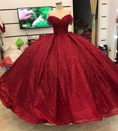 Red Ballgown Glitter - Red Ballgown - Red Dress - Red sparkly dress The Effective Pictures We Offer You About REd dress photography A quality picture Red Sparkly Dress, Glitter Prom Dresses, Prom Party Dresses, Mexican Quinceanera Dresses, Burgundy Quinceanera Dresses, Pretty Dresses, Beautiful Dresses, The Dress, Dress Red