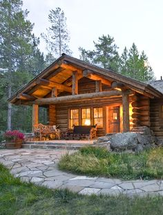 70 Fantastic Small Log Cabin Homes Design Ideas - Log Cabin Living, Log Cabin Homes, Log Cabin Exterior, Style At Home, Cabins In The Woods, House In The Woods, Cabins In The Mountains, Haus Am See, Little Cabin