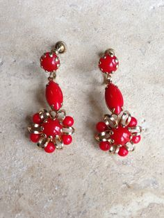 Vintage 1950s Red Glass and Gold Floral Hanging Earring - PERFECT for Spring!