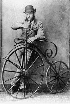 Хипстер с винтажным великом. 1890-е года, США.