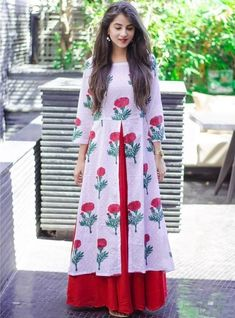 41 Cotton Kurti Designs are Really Cool for Stitching Inspiration Printed Kurti Designs, Simple Kurti Designs, Stylish Dress Designs, Salwar Designs, Kurta Designs Women, Kurti Designs Party Wear, Designs For Dresses, Stylish Dresses, Stylish Kurtis