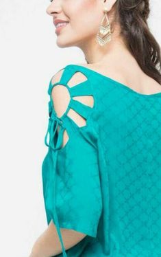 50 Latest sleeves design for kurti to try in 2019 Neck Designs For Suits, Sleeves Designs For Dresses, Neckline Designs, Blouse Neck Designs, Sleeve Designs, Style Fête, Mode Style, Kurti Sleeves Design, Kurta Neck Design