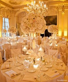 White Stunning Wedding Centerpieces