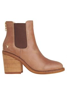 Mary Boots - Mary Boots by Windsor Smith  Get this classic and casual Chelsea boot! Stylish and chunky back zip Featuring an edgy block heel Sleek design with slightly pointed round toe Italian leather upper material Genuine leather collar lining Heel height: 8cm