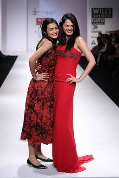 """Wills Lifestyle India Fashion Week SS Day 2 Indian chess champ Tania Sachdev (left) walks for Sanjana Jon Wills Lifestyle, Lifestyle Clothing, Natural Fiber Clothing, Celebrity Siblings, India Fashion Week, Chess, Latest Fashion Trends, Walks, Indian"