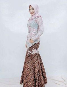23 Ideas Style Hijab Casual Untuk Orang Gemuk For 2019 Kebaya Muslim, Kebaya Hijab, Batik Kebaya, Kebaya Dress, Batik Dress, Hijab Dress, Kebaya Brokat, Turban Hijab, Batik Fashion