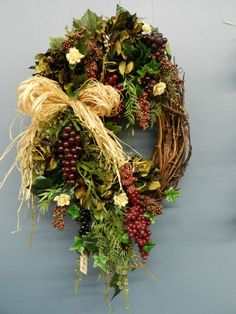 Kitchen Wreath, Grapes, Tuscany, Italy. Wine lovers