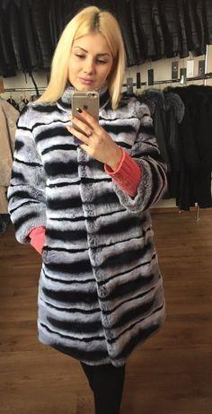 """💐💐Еще один отзыв от прекрасной Елены """"Заметила, что в последнее время в моде шубы из кролика рекс, две подруги уже приобрели такие шубки, вот и я решилась) заказала у вас) изделие замечательное) мех мягкий, очень тёплый)""""💐 #отзывы #интернетмагазин #каталогодежды #одежда 👠👠Милые дамы, в нашем интернет-магазине MANZARE.ru летом очень хорошие скидки на норковые шубы 👉 выбирайте свою шубку прямо сейчас https://manzare.ru/products 👠👠 💗Мы дарим 1000 рублей каждому нашему подписчику при…"""