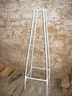 PVC tuteur (Pyramid shaped trellis)