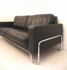 Chromed Tubular Steel and Leather Sofa by Gispen, Decoration, Art Decor, Home Decor, Modern Leather Sofa, Mid Century Modern Sofa, Tubular Steel, Midcentury Modern, Cheers, Home Accessories
