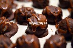 Oreo cake truffles with dark chocolate coconut and a milk chocolate Skor bar caramel version- super simple and easy! No Bake Desserts, Dessert Recipes, Skor Bars, Cake Truffles, Savoury Baking, Oreo Cake, Holiday Baking, Caramel, Chocolate