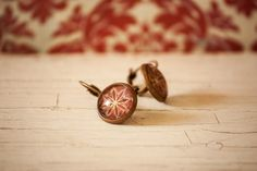 Copper Tone Leverback Unique Fall Round Earrings with Glass Dome inches Dots Flower Design Hippie Bohemian, Boho Gypsy, Handmade Jewelry, Unique Jewelry, Handmade Gifts, Round Earrings, Glass Domes, Free Spirit, Bracelet Making