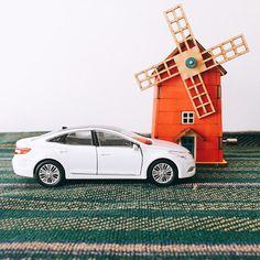 Picturing myself going for a #drive - @hyundai_company - 보고 있자니, #드라이브 를 떠나고 싶네요 - #Hyundai #Motor #car #Grandeur #Azera #diecast #toy #wood #musicbox #orgel #windmill #interior #DIY #fun #hobby #instadaily #photooftheday #현대자동차 #그랜저 #다이캐스트 #취미 #오르골 #풍차 #일상 #데일리 #자동차 #자동차그램 #소소잼