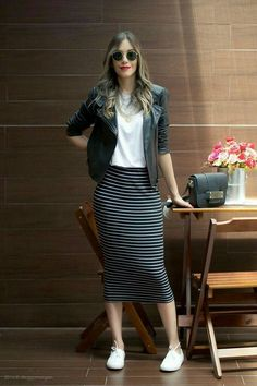 outfits with pencil skirt Modest Outfits, Modest Fashion, Skirt Fashion, Casual Outfits, Fashion Dresses, Casual Pencil Skirt Outfits, Striped Skirt Outfit, Denim Skirt, Striped Skirts
