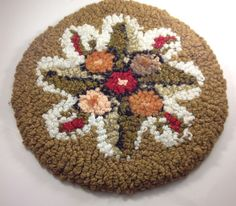 """VTG CROCHETED HANDMADE ROUND DOILY MAT SPHERE CIRCLE FLORAL GREEN RED YARN 14.5"""""""