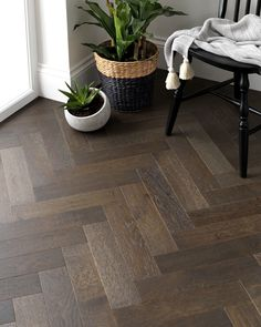 Description:For a sophisticated and elegant look in your home then the Woodpecker Goodrich Espresso Oak flooring is perfect. Carefully brushed and matt lacquered this parquet floor has a wonderful textured feel, whilst the wavering shades i Oak Parquet Flooring, Hall Flooring, Natural Wood Flooring, Wooden Flooring, Kitchen Flooring, Plywood Floors, Dark Wood Floors, Painted Floors, Flooring Ideas