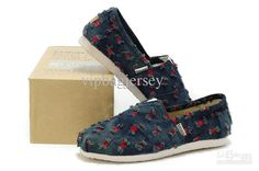 TMASI shoe Trend lazy canvas women shoes fashion classic shoe two colours to choose size:36~39