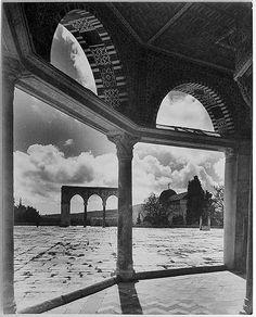 من ساحات المسجد الاقصى1930 #alaqsamosque #mosque