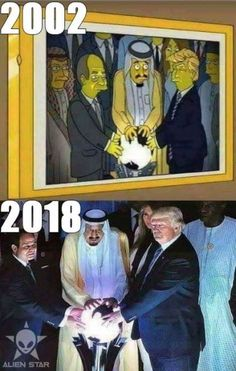 'The Simpsons' Predict Donald Trump's Viral Glowing Orb Photo.stop and think who is really running the world stage? The producers of the Simpsons cartoons are Masons. The Simpsons, Weird Facts, Fun Facts, Movie Facts, Conspericy Theories, All Meme, New World Order, Mind Blown, Creepy
