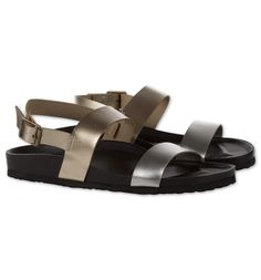 Sandalia metálica en dorado