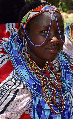 Maasai girl. #Maasai #beadwork