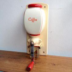 オランダヴィンテージ DeVe社壁掛けコーヒーミル/グラインダー E2