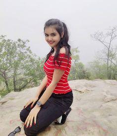 Getting myself some doze of rain and greens🌧🌱 Beautiful Girl In India, Beautiful Girl Image, Cute Beauty, Beauty Full Girl, Beauty Girls, Girls In Love, Cute Girls, Happy Girls, Girl Pictures