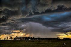 Pretty cool thunderstorm and rainshaft yesterday around Frostproof, Florida