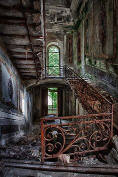 repinned from @grandmtrunk 's Abandoned-collection: Abandoned
