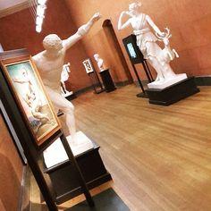 Heute ein #Bild live aus der @kunsthalle_ka. Gerade ist der zweite #Tweetup gestartet zum #Thema #Selfies passend zur aktuellen #Ausstellung #Iamhere - vom #Rembrandt bis zum Selfie. Folgt unserem gezwitscher auf #Twitter um auf dem laufenden zu sein! #visitbawu #visitkarlsruhe #karlsruhe #kunst #art #skulptur #travel #foto #sculpture #bwjetzt