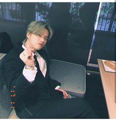 """""""[KONSTAGRAM] withikonic posted photos of jinhwan looking fine in a suit! Yg Entertainment, Taehyung, Ikon Member, Warner Music, Jay Song, Ikon Wallpaper, Laptop Wallpaper, Ikon Kpop, Ikon Debut"""