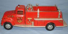 vintage tonka trucks   VINTAGE TONKA FIRE DEPARTMENT SUBURBAN PUMPER #950 PRESSED STEEL TRUCK ...