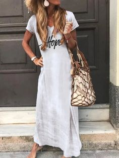 This maxi dress features letter print with short sleeve, suitable for a nice holiday. Dress Outfits, Casual Dresses, Fashion Dresses, Office Dresses For Women, T Shirt World, Vacation Dresses, Vintage Embroidery, Elegant Woman, Types Of Sleeves