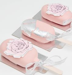 Sweetest cake popsicles with silver and flowers Mothers Day Cake, Sweet Cakes, Popsicles, Candy, Flowers, Silver, Sweet, Toffee, Money