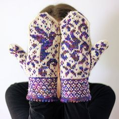 Ravelry: Sweet Nectar Mitts pattern by Tanis Lavallee