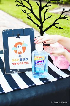 Tips for a safe Halloween 2020, plus a free printable hand sanitizer sign to help encourage little ones to sanitize! Halloween Labels, Halloween Banner, Halloween Goodies, Halloween Crafts For Kids, Halloween Design, Easy Halloween, Holidays Halloween, Halloween 2020, Halloween Subway Art