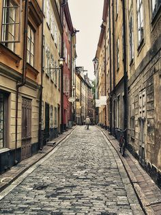 Stocholm alley by Dimitri  Varoudakis  on 500px
