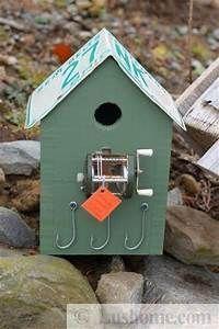 Reclaimed Wood Birdhouse - DIY Birdhouses That'll Attract… #diybirdhouse
