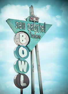 San Gabriel Bowl vintage neon sign