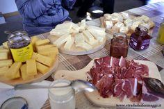 Dopo esserci alzati all'alba, necessaria una bella colazione!! Malga Fossernica, Vanoi, Trentino #albeinmalga