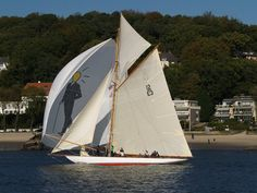 """Heti""  with her new ""Max Franke""- spinnaker in front of Blankenese, Hamburg. Autumn 2011."
