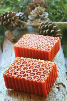 Jabón de canela, naranja y miel. Cinnamon, orange & honey.